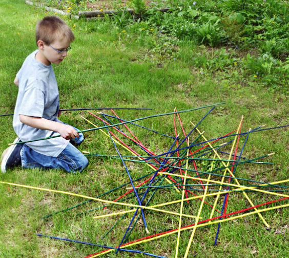LANGRIA Fun DIY Backyard Games for Kids pick up stick