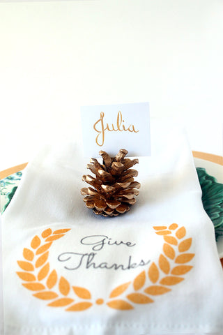 Pinecone holders cards