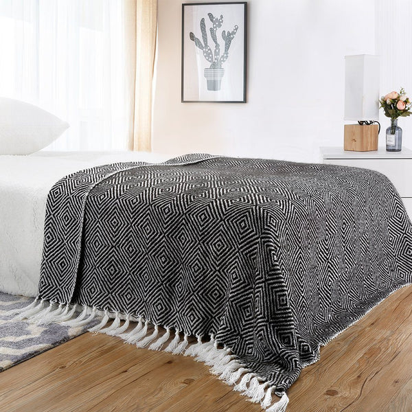 "LANGRIA Geometrical Pattern Knitted Throw Blanket (50""x 60"")"