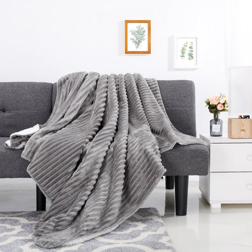 LANGRIA Chunky Ribbed Flannel Blanket