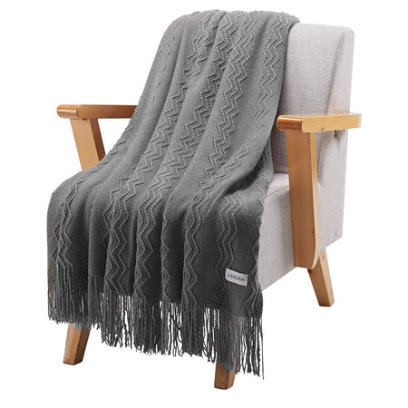 Throw Blanket with Tassels Geometrical Pattern