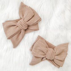 SPECKLED FAWN KNIT BOW