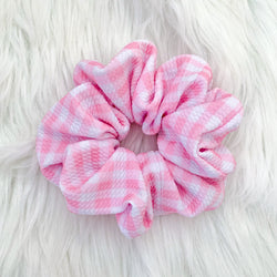 PINK GINGHAM MAMA SCRUNCHIE