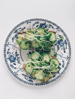 Karen K. Wang_Avocado Ezekiel Toast_HamamaRecipes_11.20.19