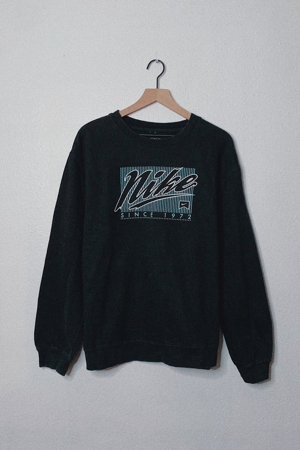 (L) 90s Retro Nike Pullover Sweater