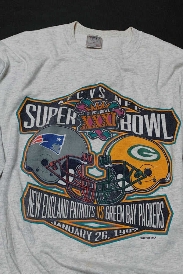 (L) 1997 Super Bowl Patriots VS Packers Graphic Pullover Sweater