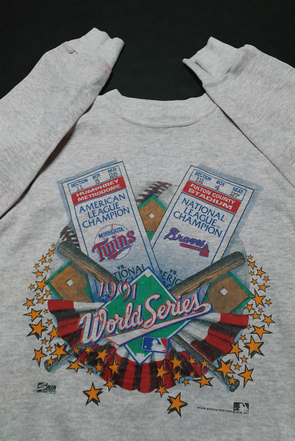 (S/M) 1991 Vintage World Series Graphic Pullover Sweater