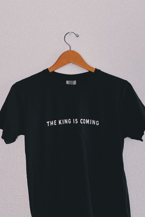 King is Coming Black Unisex T-Shirt