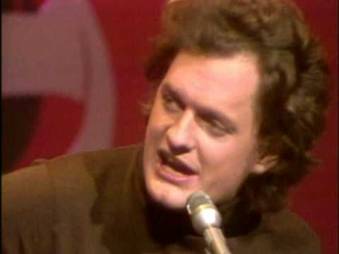 https://www.youtube.com/watch?v=LJ0263Sa_e8::Harry Chapin- I Wanna Learn a Love Song