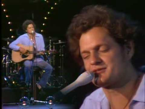 https://www.youtube.com/watch?v=m7ukzncI96w::Harry Chapin - Dancin' Boy
