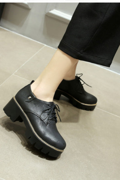 Woman's Goth Stud Lug Platform Lace Up Oxfords