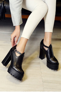 Witchy Pointed Oxford Platform Heels