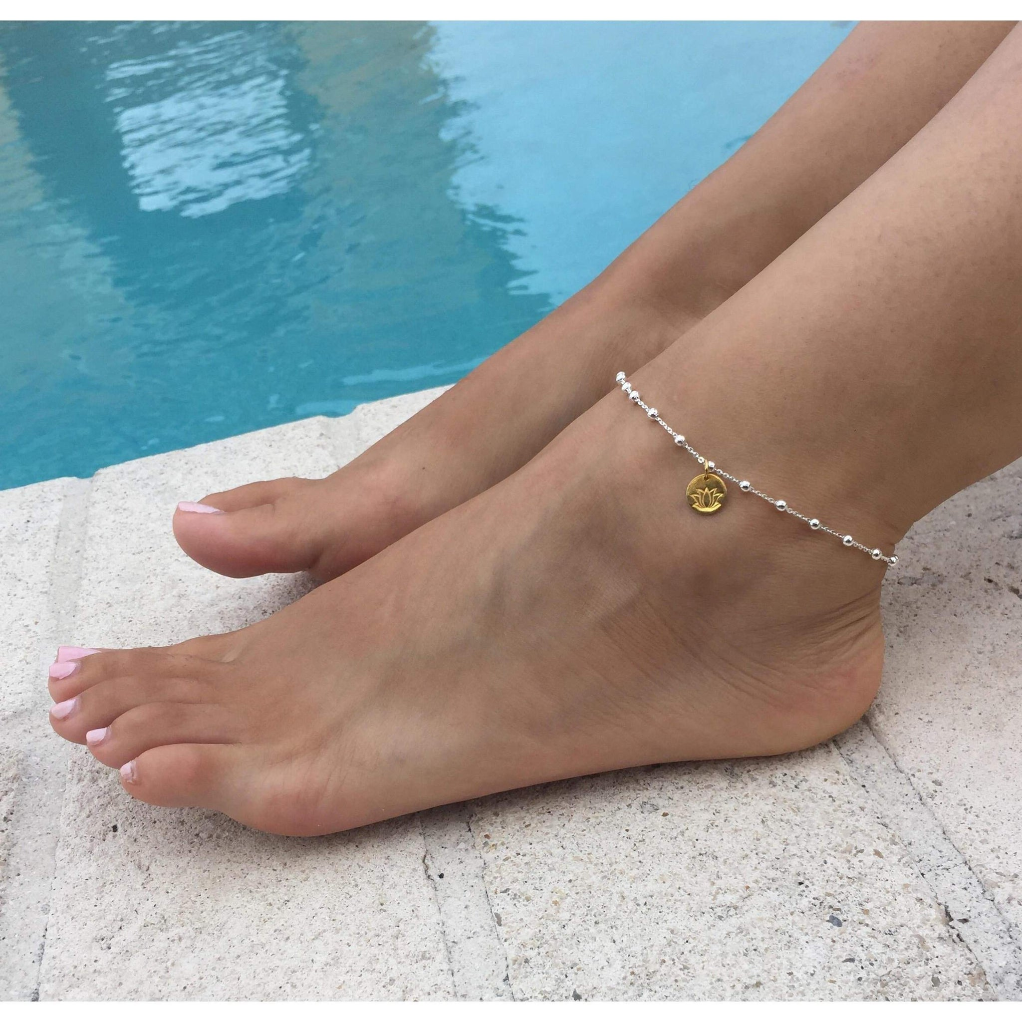 bracelet jewelry lyst tennis gold diamond metallic in zoe women anklet s yellow chicco linked