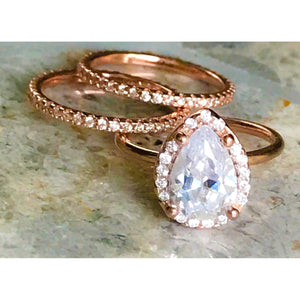 Rose Gold Pear-Shaped Engagement Ring & Band
