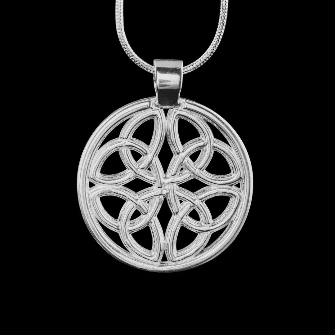 Dara Knot Silver necklace - Ancient Irish design symbolising an Oak tree this design is 20g of Hallmarked sterling silver.  Irish jewellery at its best. Gift boxed and able to post direct to the recipient if required.