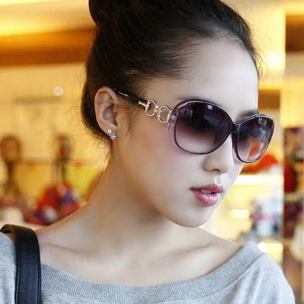 Brand Designer Vintage Frame Gradient Lens Women Sunglasses *Classical Frame Gradient Oversized Lens Women Sunglasses *Modern Stylish New Designer Brand Oval Frame UV400 Gradient Lens Women Sunglasses