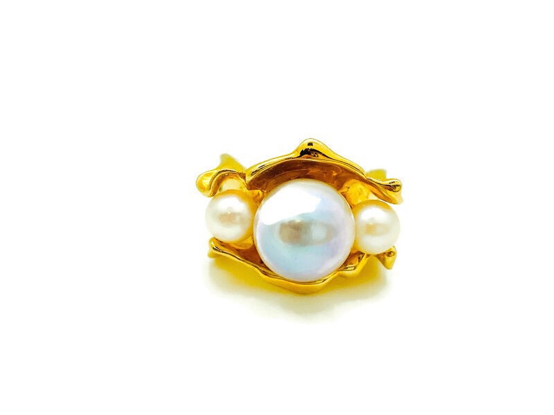 Three Pearl Oyster Ring