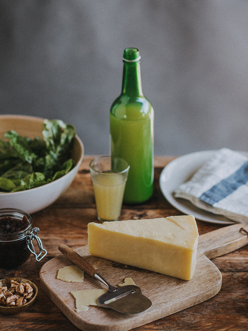 Quickes' Buttery Clothbound Cheddar