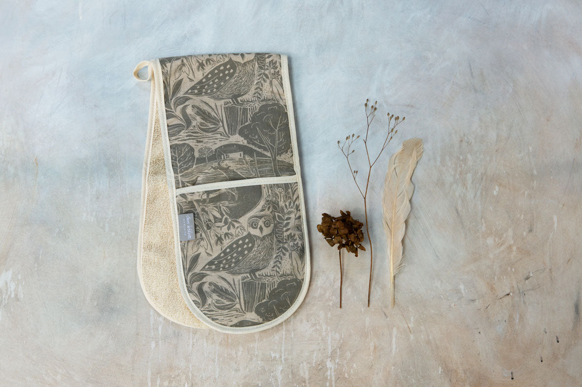 Sam Wilson New Owl and Fox Linen Look Grey Cotton Oven Gloves