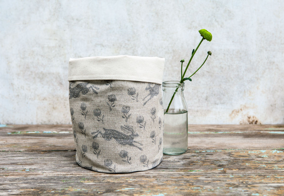 Running Hare Grey Linen Pot Bag