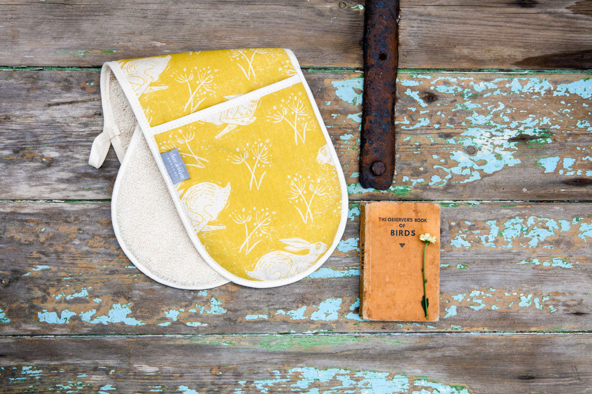 Headlong Hare Yellow Ochre Cotton Oven Gloves