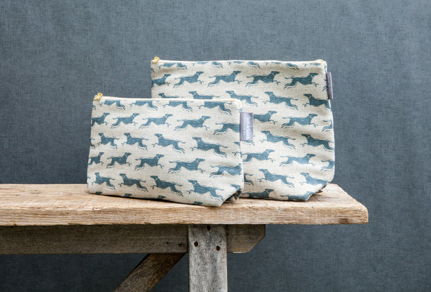 Fast Dog Blue Linen Washbag