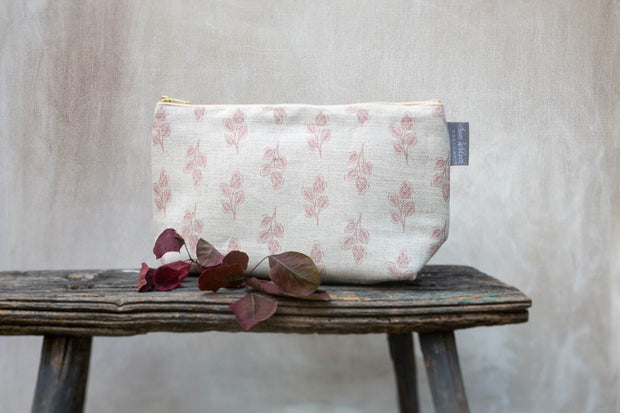 NEW Pink Flora Medium Washbag