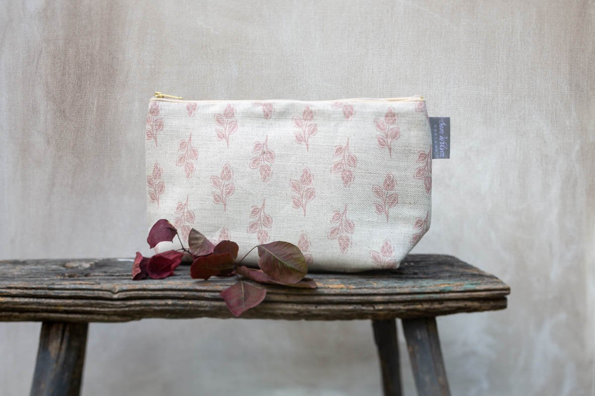 Sam Wilson Pink Flora Linen Medium Washbag