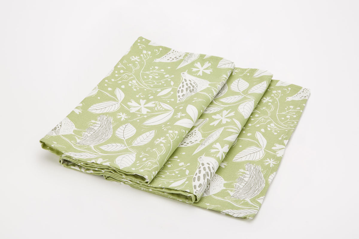 New Hedgerow Table Runner