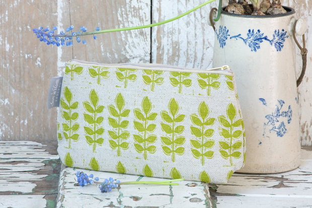 Sam Wilson Green Leaf Linen Washbag