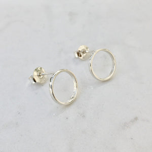 Skinny circle earrings