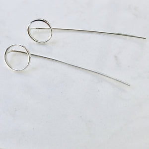 Skinny circle tail earrings