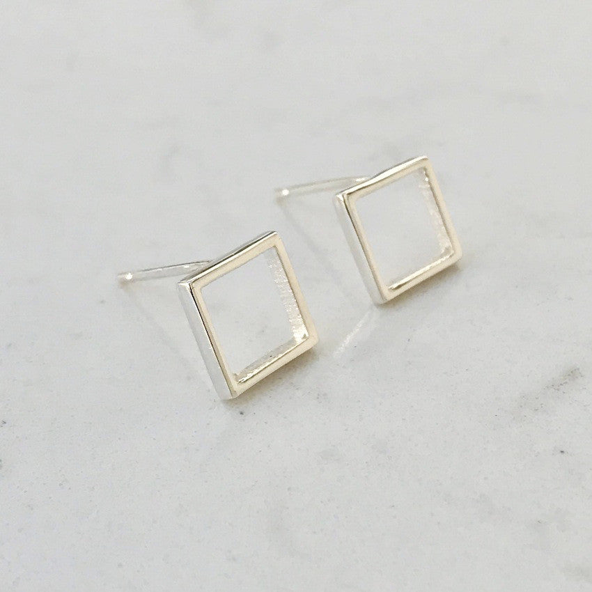 Skinny square earrings