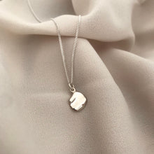 Tiny ondulado necklace - silver