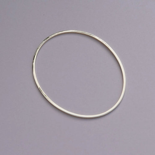 9ct Solid Gold Oval Bangle