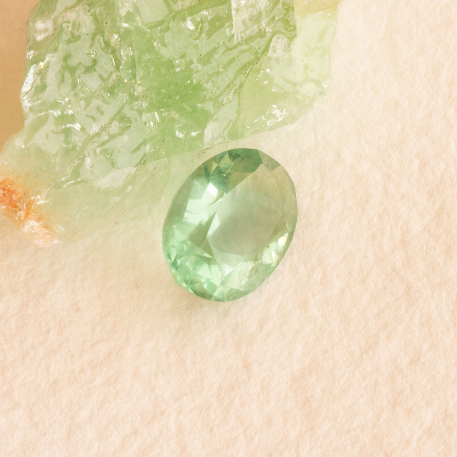 Green Fluorite oval cut 1.30ct, clean pale green oval faceted stone, a pretty clear stone suitable for cocktail or engagement ring, soft green oval shape responsibly sourced gemstone