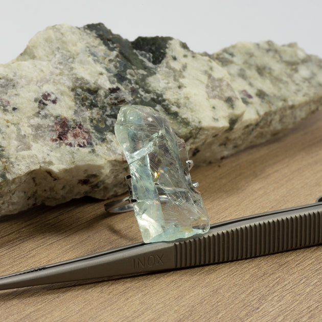 17.37ct Bespoke Rough Cut Aquamarine, modern aquamarine gemstone in pale sea green, sparkling pale blue beauty, bespoke cutting, responsible sourcing in Mozambique, rough aquamarine with bespoke polishing