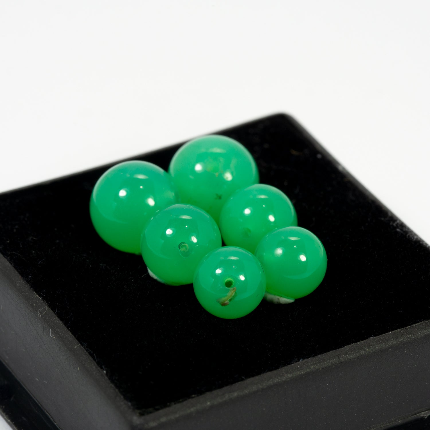 13.63ct QLD Chrysoprase 6pc Graduated Bead Matched Set