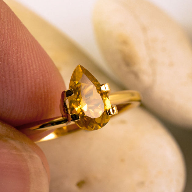 This golden chrysoberly has a stunningly rich hue and is totally eye clean