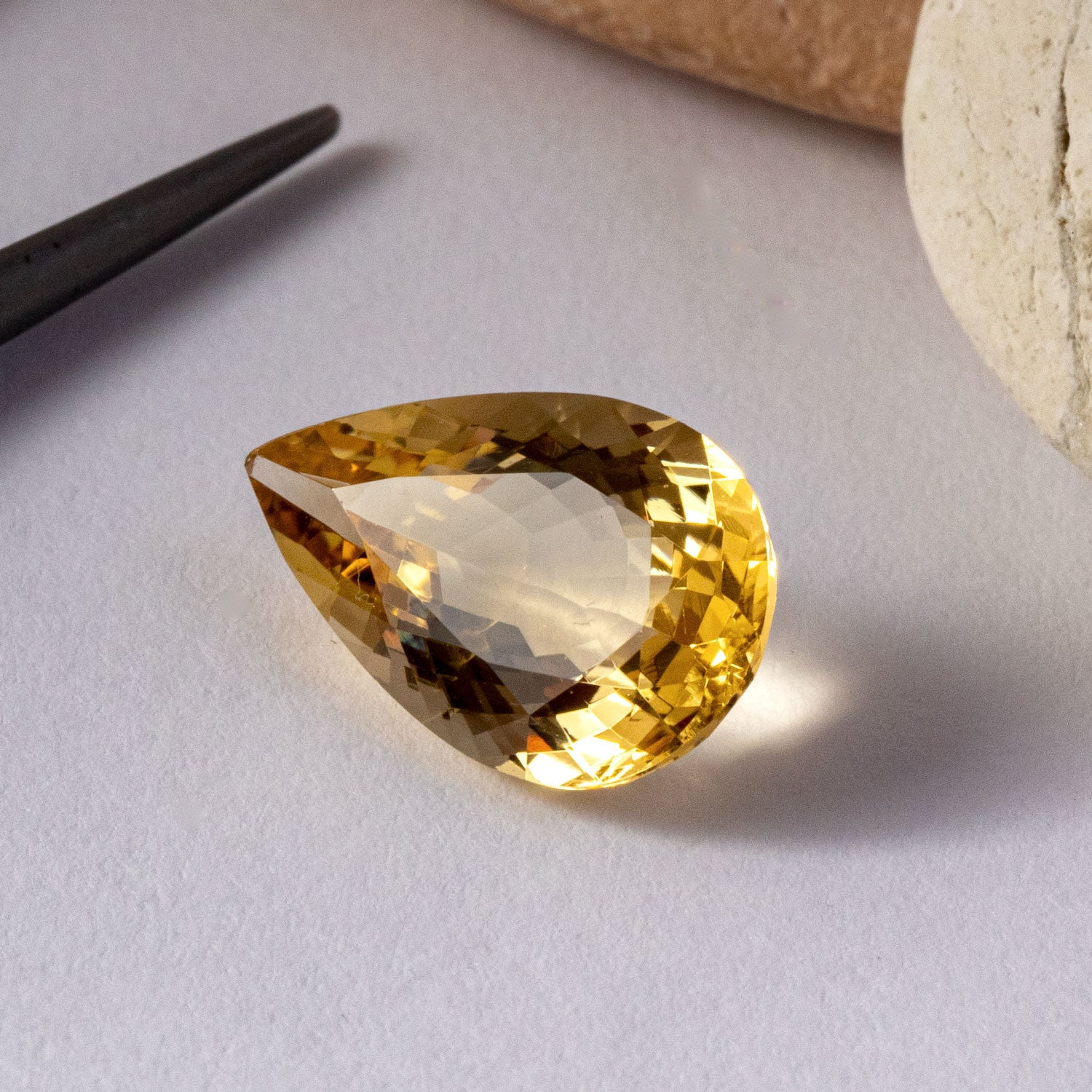 This stunning natural heliodor has a beautiful golden hue. The piece is unheated and totally eye and loupe clean.