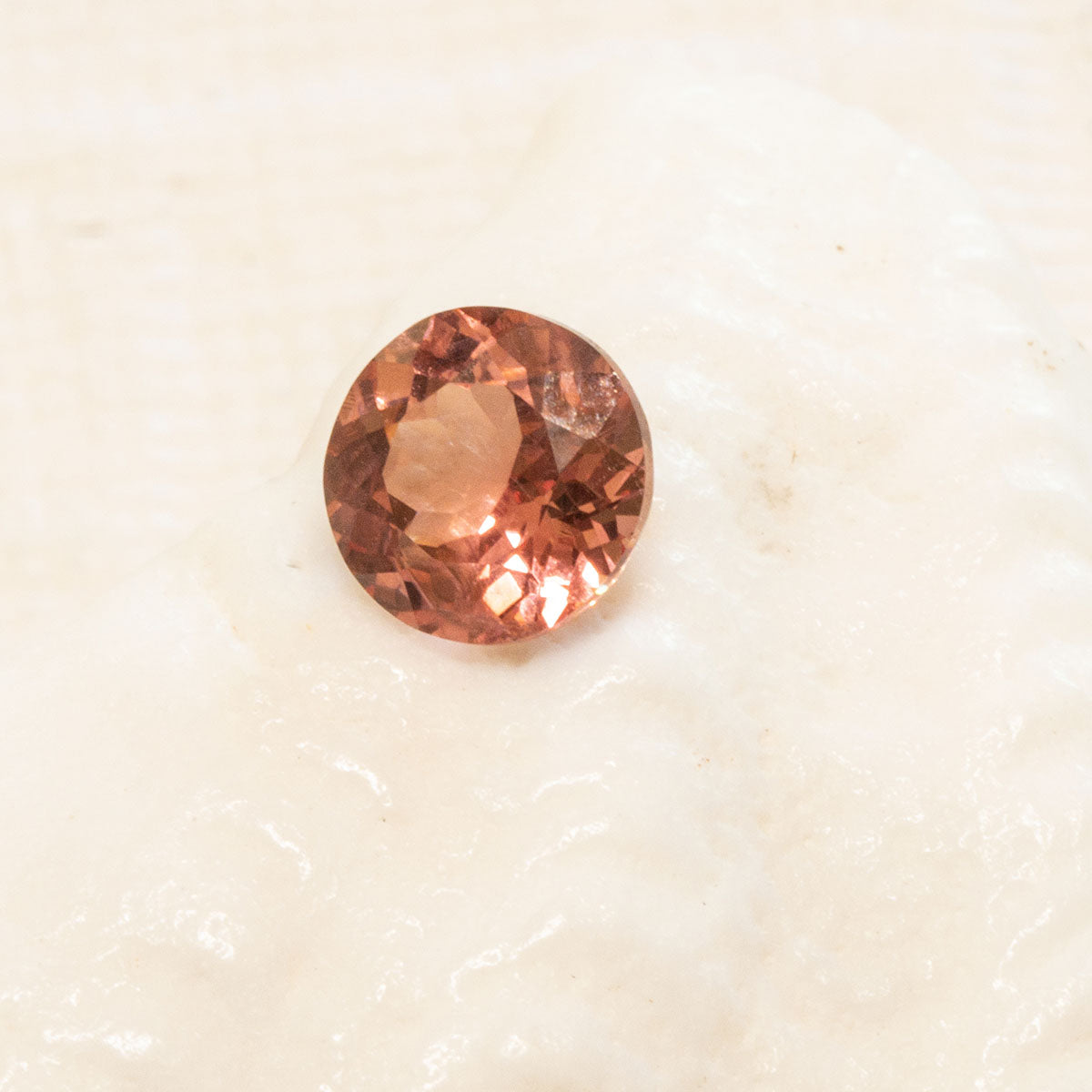 1.14ct Round Peach Sapphire, loose unmounted faceted peach sapphire