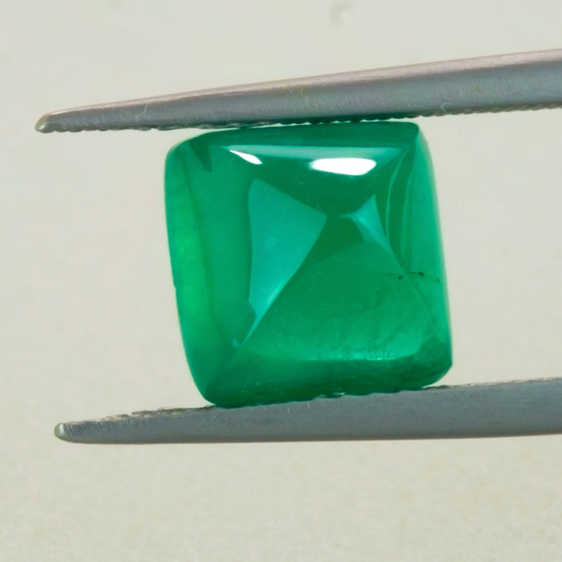 3.23ct Sugar Loaf Cut Zambian Emerald
