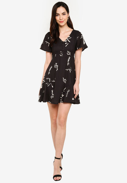 Carnelia Printed Midi Dress in Black