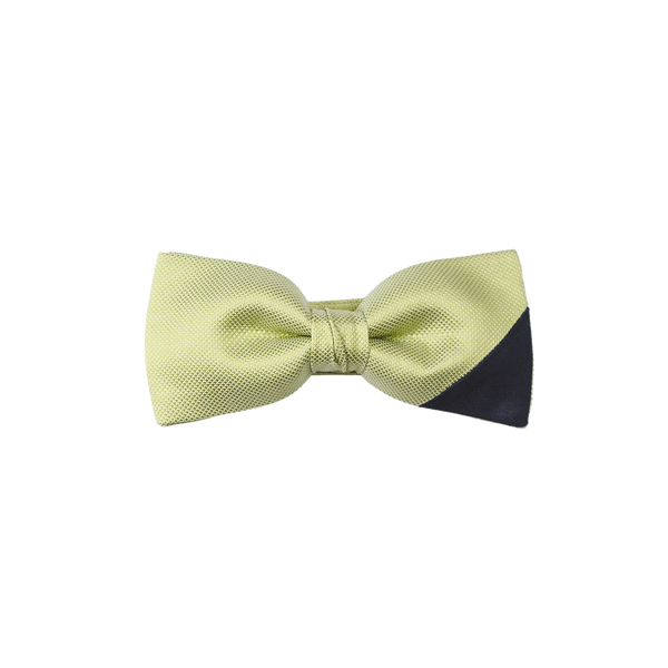 A pre-tied bowtie with a lime-green diamantino silk on the main part and an elegant navy saglietta on the right corner.