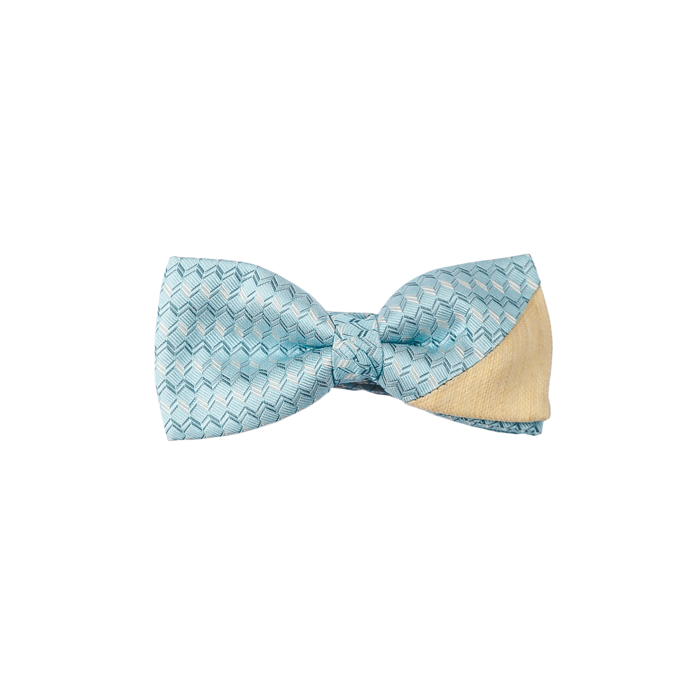 Sora means sky in Japanese and this tie just reminds us of those summer days with just a clear sky and the sun shining bright.