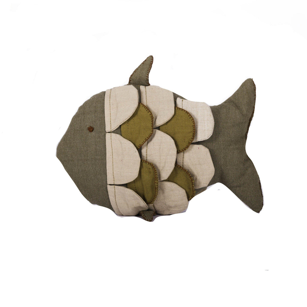 Riyaz Fish Pillow - Project Três