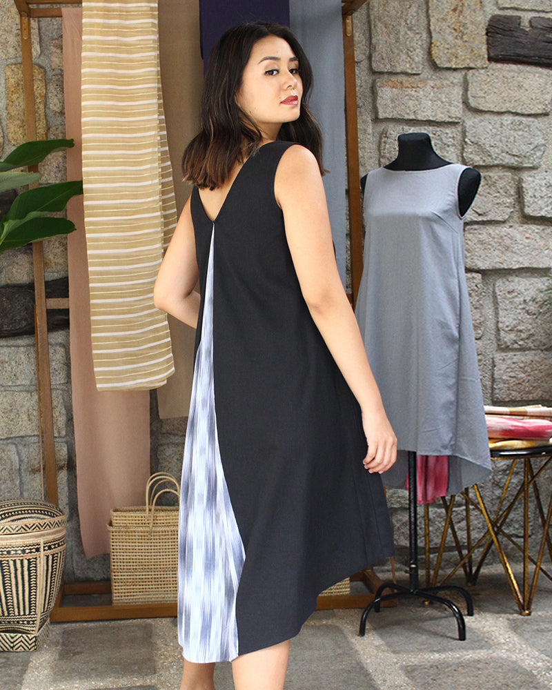 Fanny in Black with Gray Ikat Weave