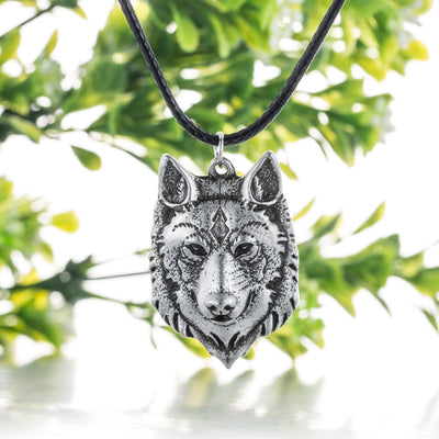Wolf Head Necklace Pendant Animal Power Norse Viking Amulet Necklace Handled