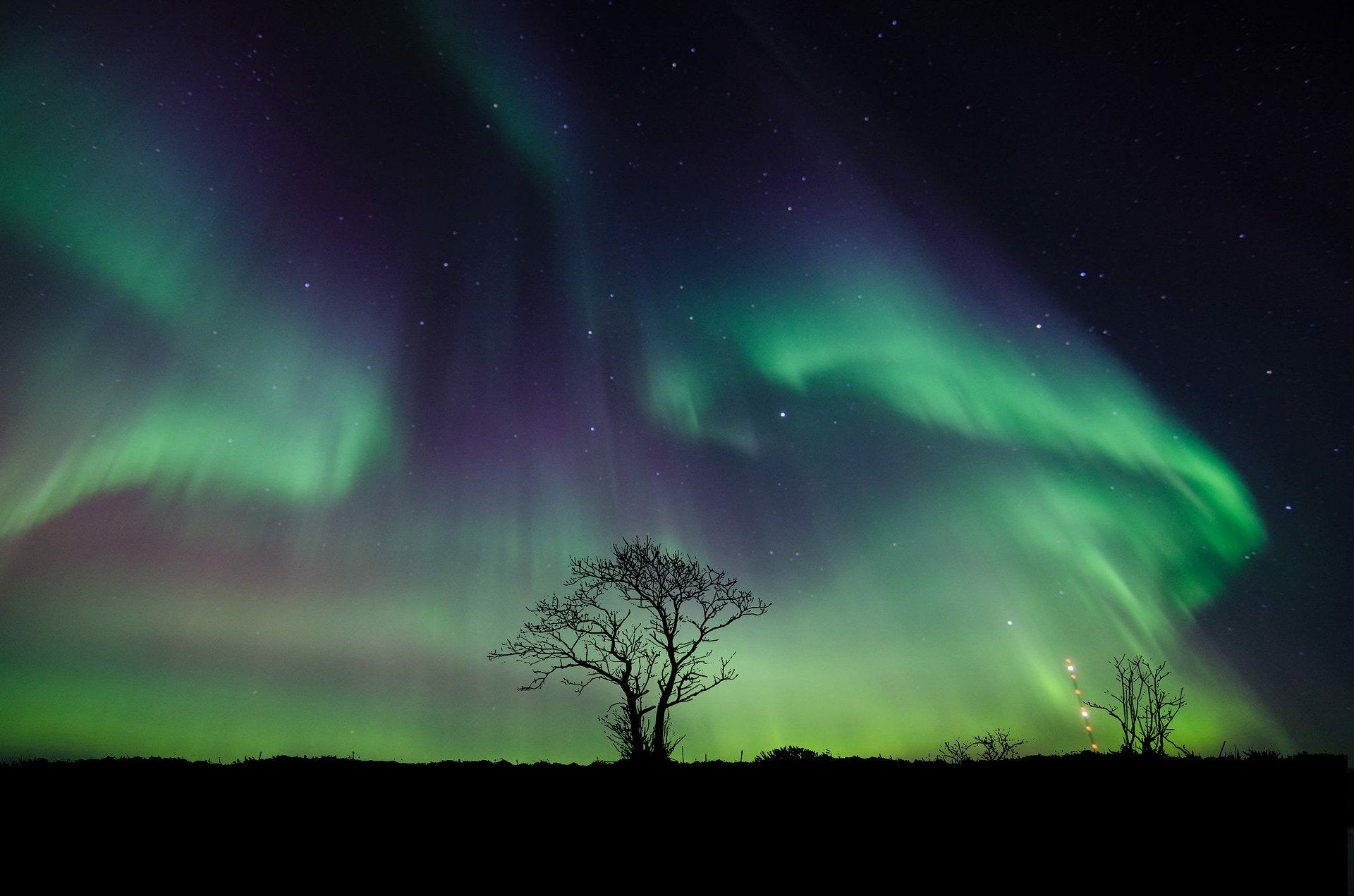 How To Combat Stress by Emptying a Kitchen Drawer. Image of northern light