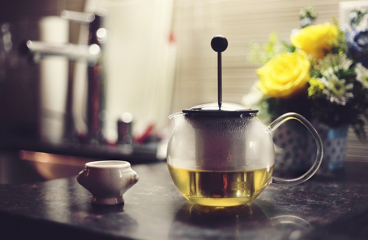 How To Combat Stress by Emptying a Kitchen Drawer. Image of a tea pot